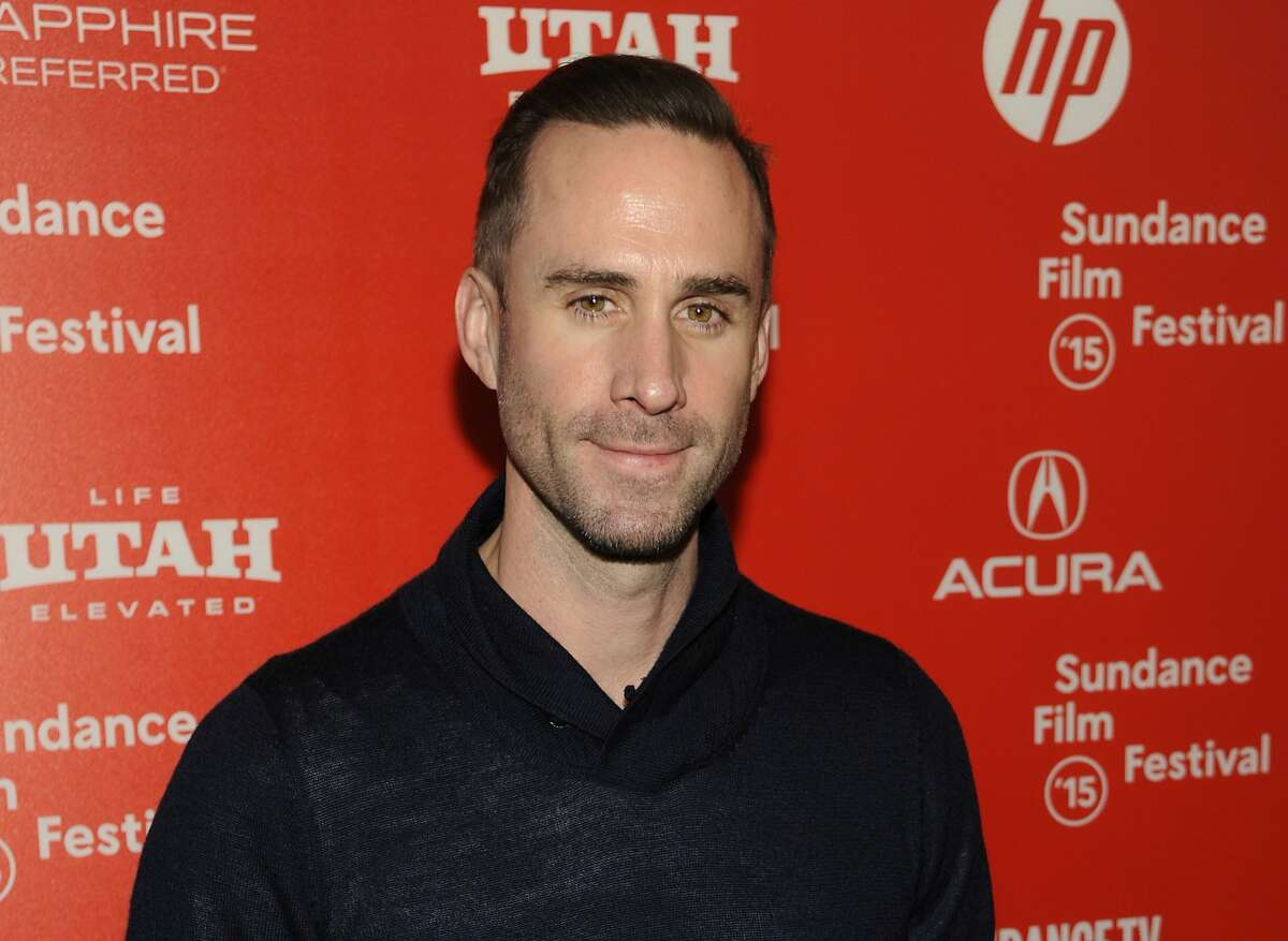 White British actor Joseph Fiennes has been cast to portray the late African American pop star Michael Jackson in a comedic TV show -- and social media has been full of criticism ever since. Some Hollywood actors are upset about the lack of diversity among the Academy Awards nominees, and this news has further stirred their emotions.