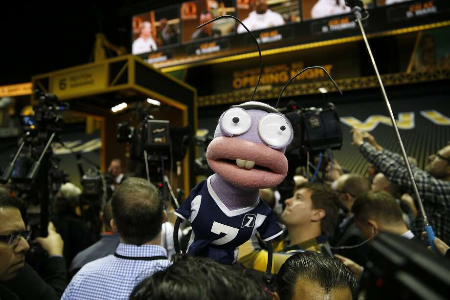 Pichas, a TV Azteca puppet, make the rounds during Super Bowl 50 Opening Night at SAP Center in San Jose, Calif., on Monday, February 1, 2016. Photo: Scott Strazzante, The Chronicle
