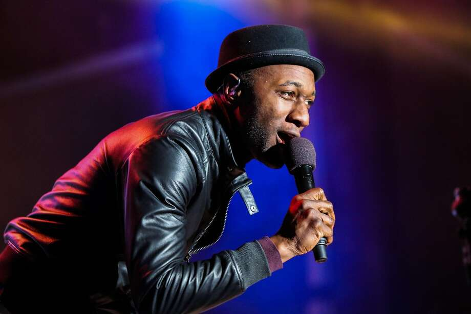 Singer Aloe Blacc sang at Super Bowl City on The City Stage, in San Francisco, California on Monday, February 1, 2016. Photo: Gabrielle Lurie, Special To The Chronicle
