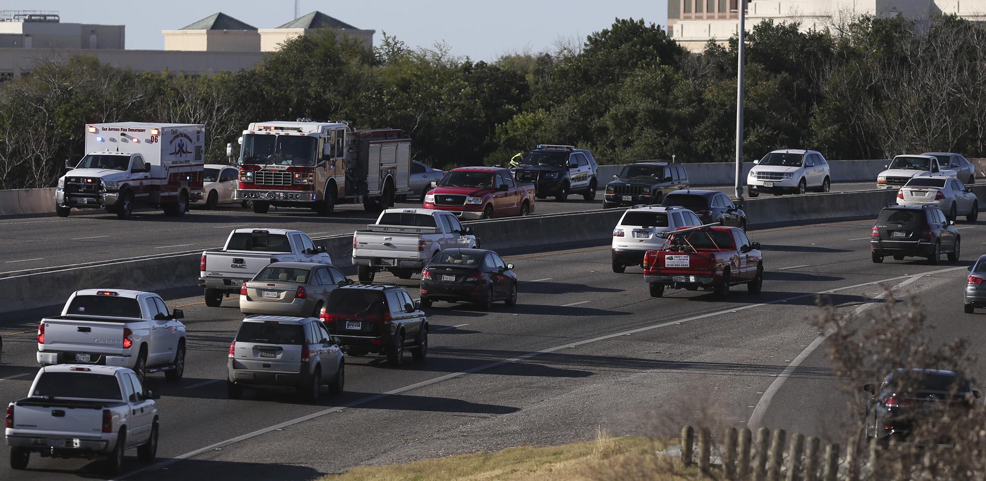 Two Car Crash Causes Delays On U S 281 Near Hildebrand