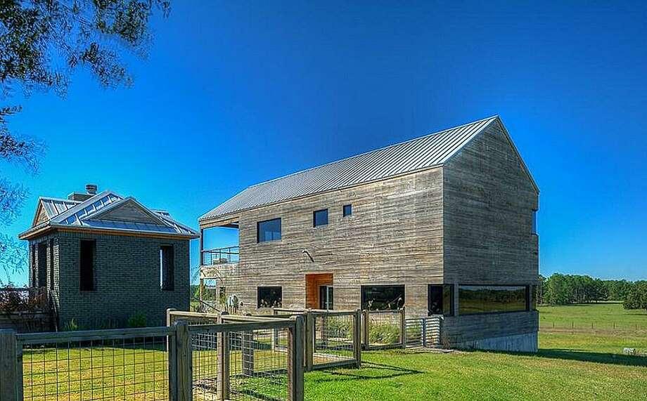 127 Roberts Spur: $3,895,000 / 375 acres Photo: Houston Association Of Realtors