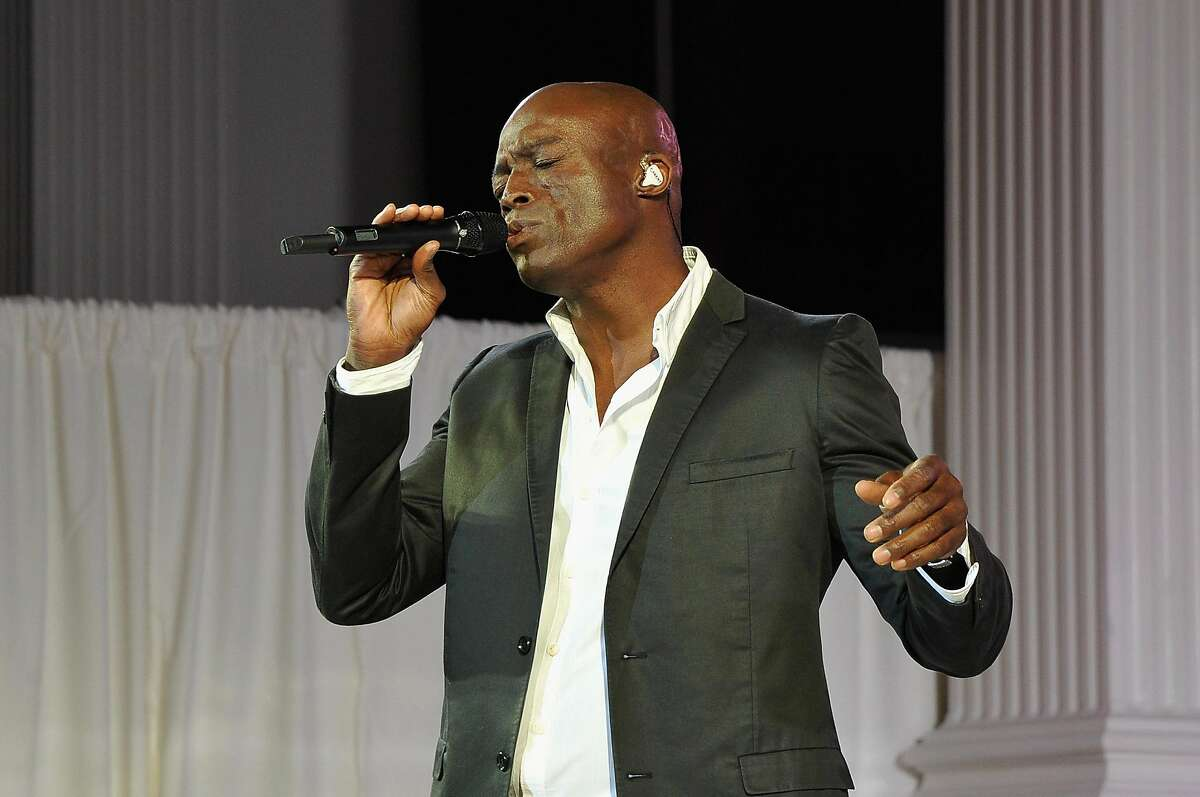Singer-songwriter Seal will sing jazz and swing classics during this year's holiday schedule at the Symphony.