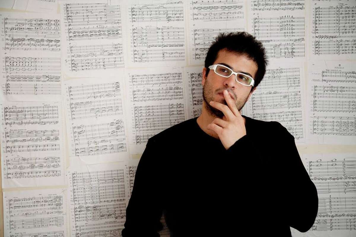 Bandoneón player Juan Pablo Jofre will join the San Antonio Symphony as guest artist for a performance in the Las Americas Festival.