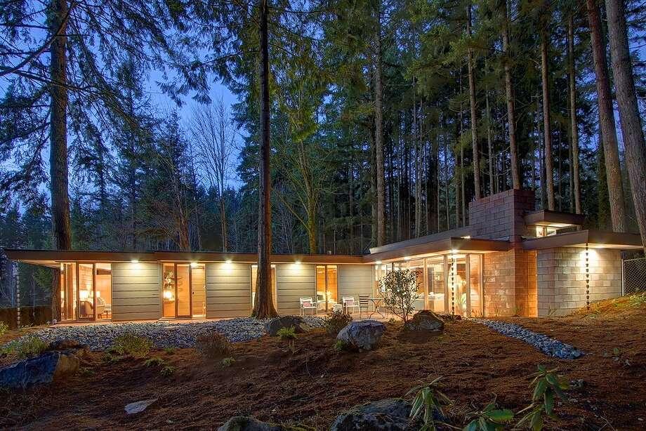 Frank Lloyd Wright Homes Around Seattle