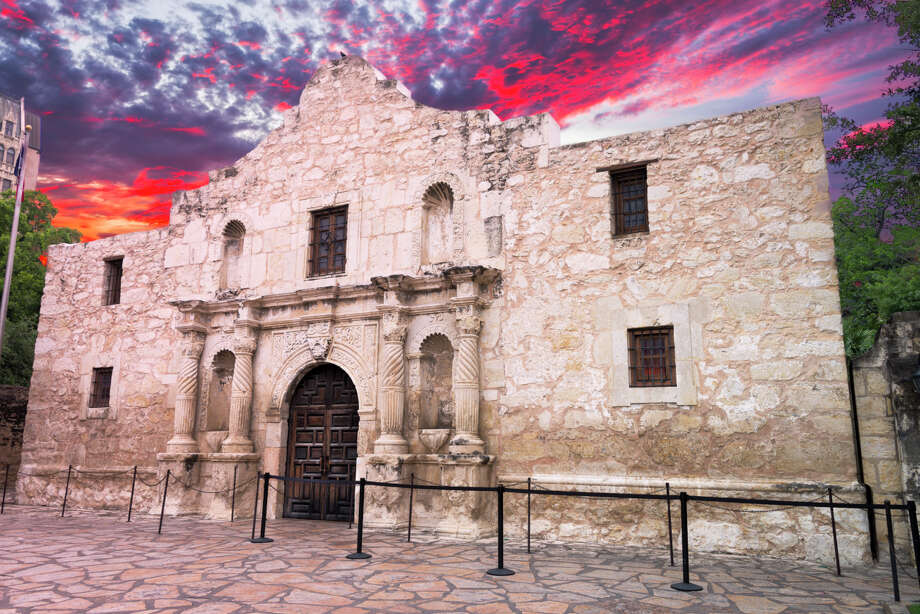 The beginningAbout 100 defenders were holed up at the Alamo mission. (Real name: San Antonio de Valero. Alamo is the Spanish word for cottonwood.) After being promised safety, most of the Tejanos had left. Photo: Dean Fikar, Getty Images / © Dean Fikar 2013