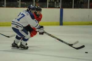 Darien tops Fairfield Prep - Photo