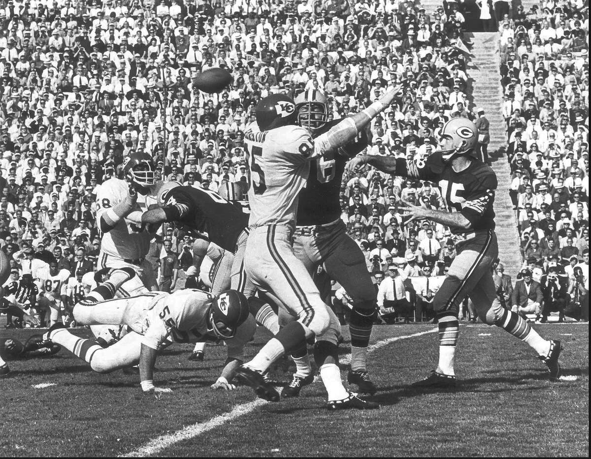 Green Bay Packers quarterback Bart Starr throws a pass during first quarter action during Super Bowl I, at the Los Angeles Coliseum on January 16, 1967. Green Bay beat the Kansas City Chiefs 35-10.