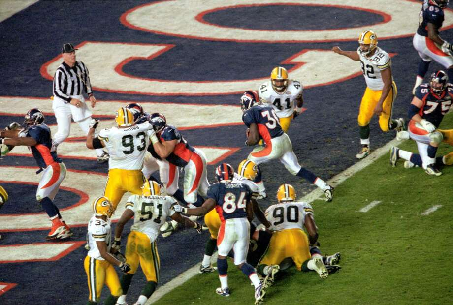 30. Let TD score: With Denver set for a game-winning score in the final two minutes of Super Bowl XXXII, Green Bay coach Mike Holmgren elected to allow Terrell Davis score with 1:45 left go give his offense a chance to tie the game on its final possession. His strategy did not work as the Packers could not score as the Broncos escaped with a 31-24 victory.