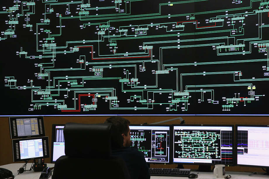An electric grid like this one using DC power could make renewable energy sources viable for all our power needs, NOAA says. (Getty Images) / 2015 Getty Images