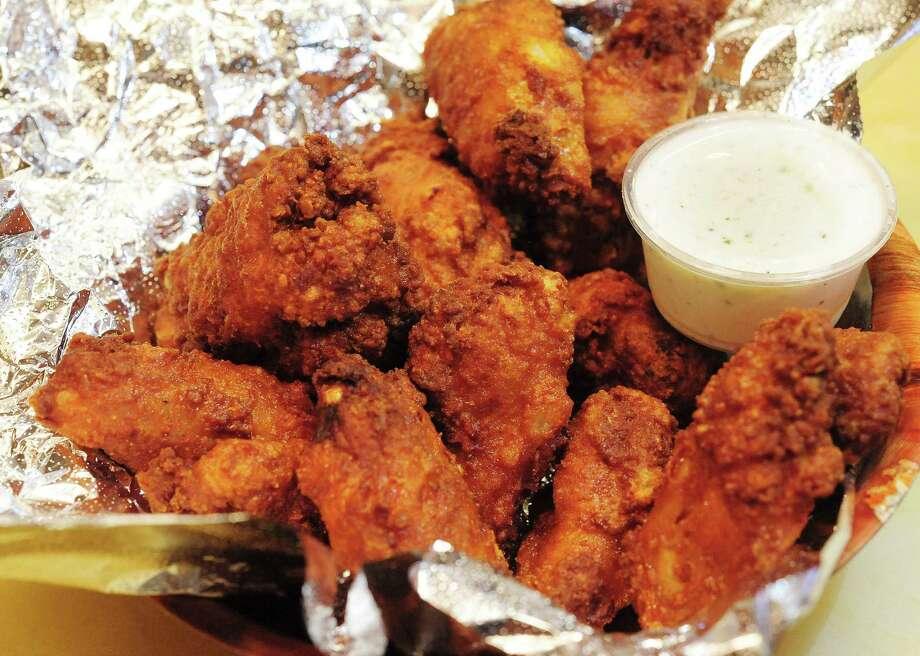 Alamo Pizza & Wings: 3938 S. Zarzamora St., 210-932-2500, alamopizza.net Photo: Billy Calzada /San Antonio Express-News / San Antonio Express-News