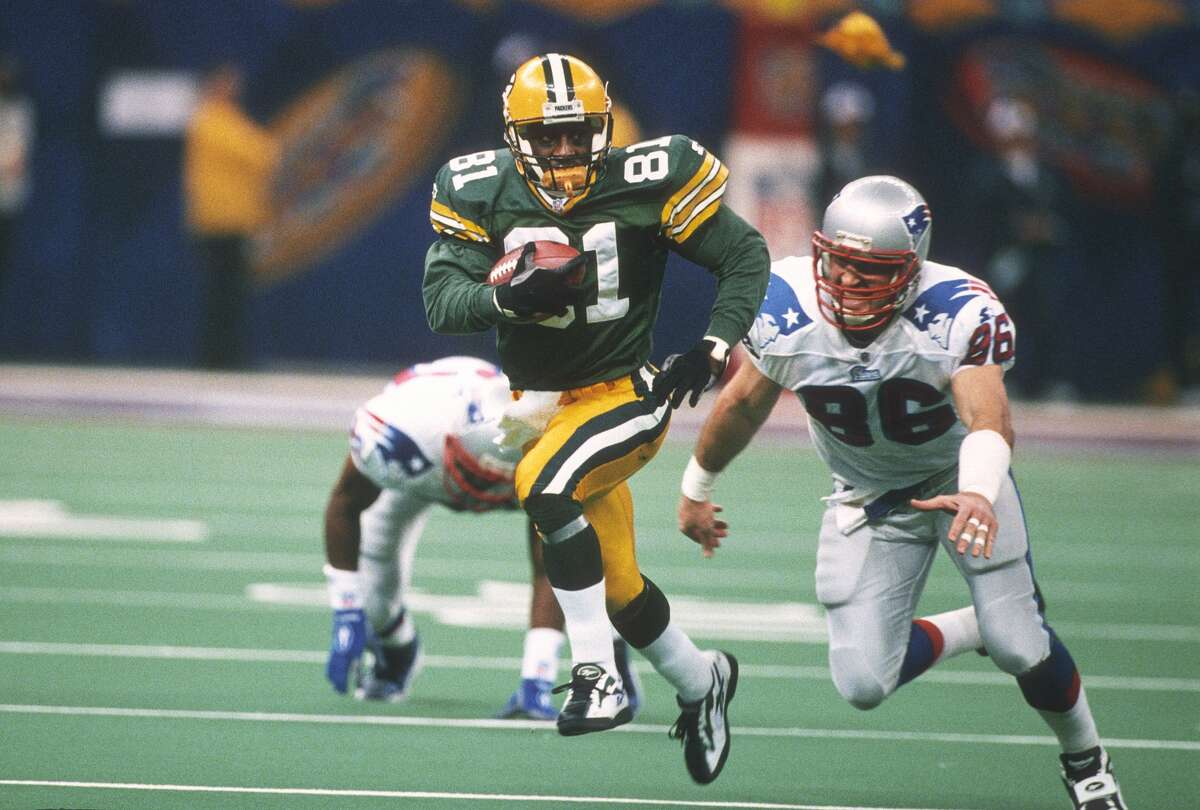 19. Howard's crushing kick return: New England pulled within 27-21 late in the third quarter against Green Bay in Super Bowl XXXI. On the ensuing kickoff, Howard put the game out of reach with a 99-yard kickoff return for a touchdown that iced the victory. Howard finished with 244 all-purpose yards to earn the game's MVP award.