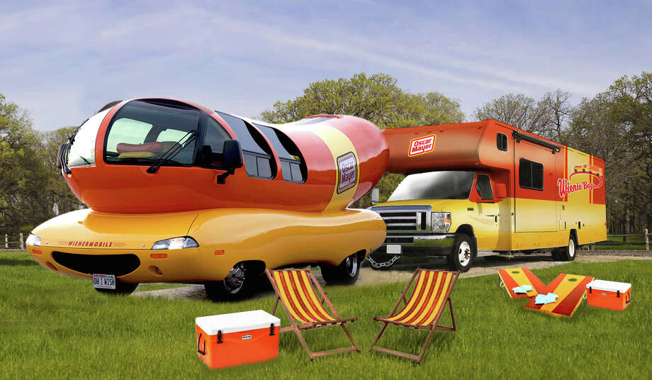 oscar mayer wienermobile is in the bay area for the super bowl sfgate. Black Bedroom Furniture Sets. Home Design Ideas