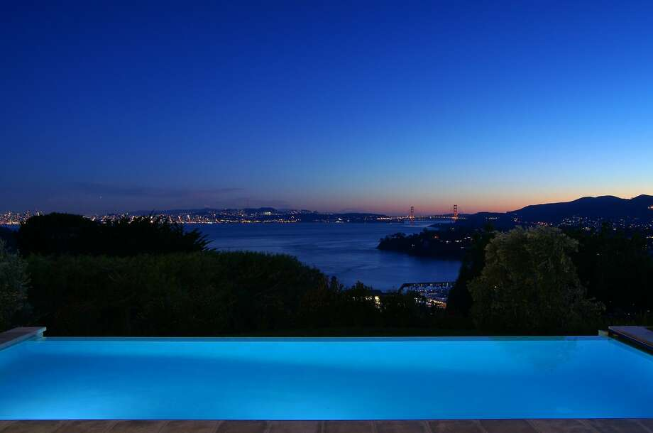 An infinity edge pool faces overlooks the cove, San Francisco and the Golden Gate Bridge. Photo: Vince Valdes Photography