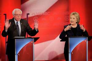 Clinton, Sanders raise heat - Photo