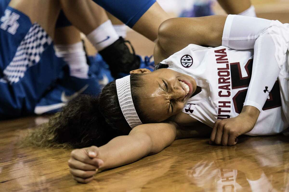 The agony was short-lived for South Carolina star Tiffany Mitchell, who returned to the bench after taking a hard fall and could have played.