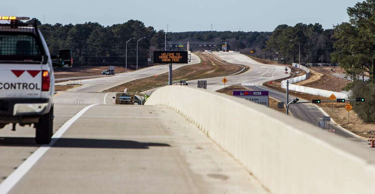 A section of the Grand Parkway just west of SH249 is shown on Friday, Jan. 29, 2016, in Houston. The new sections of State Highway 99, connecting the Cypress, Tomball and The Woodlands areas, are scheduled to open February, 8. Tolls will start being collected beginning February 15.