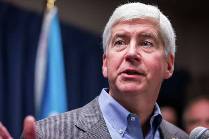 FLINT, MI - JANUARY 27:  Michigan Gov. Rick Snyder speaks to the media regarding the status of the Flint water crisis on January 27, 2016 at Flint City Hall in Flint, Michigan.  A federal state of emergency has been declared in Flint related to the city's water becoming contaminated.  (Photo by Brett Carlsen/Getty Images)