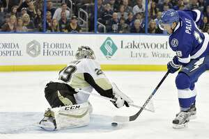 Lightning continue surge, top Penguins - Photo