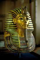 Solid gold death mask found on the mummy of Tut Ankh Amun on display at the Egyptian Museum in Cairo, Egypt, New Kingdom dynasties. (Photo by: MyLoupe/UIG via Getty Images)