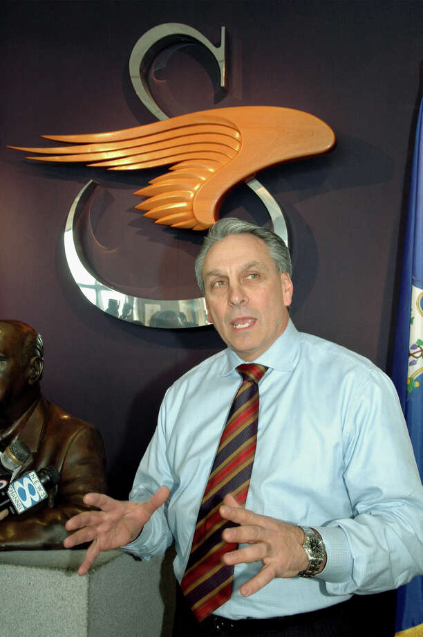 Jeffrey P. Pino speaks in April 2006 at Sikorsky Aircraft's headquarters in Stratford, Conn., one month after he was named president of the helicopter manufacturer during a labor strike. (Connecticut Post/Ned Gerard) Photo: Ned Gerard / Connecticut Post / Connecticut Post