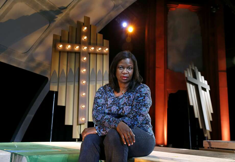 "Playwright Cheryl L. Davis visits the set of ""Bridges"" before a dress rehearsal at the Berkeley Playhouse. Photo: Paul Chinn, The Chronicle"