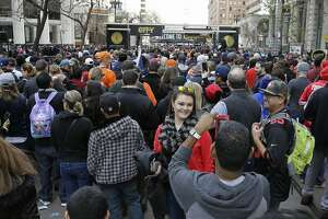 Huge crowds force evening closure of Super Bowl City - Photo