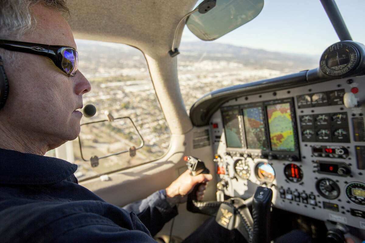 Pilot and UC Davis project scientist Stephen Conley flies towards the Aliso Canyon Natural Gas Storage Facility leak on Friday, Jan. 8, 2016. Conley, flying in a pollution-detecting airplane, provided the first estimates of methane emissions spewing from the Southern California leak. Joe Proudman / UC Davis..Pilot and UC Davis project scientist Stephen Conley flies towards the Aliso Canyon Natural Gas Storage Facility leak on Friday, Jan. 8, 2016. Conley, flying in a pollution-detecting airplane, provided the first estimates of methane emissions spewing from the Southern California leak.