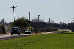 Uvalde teen allegedly kills mom, 2 neighbors, then himself - Photo