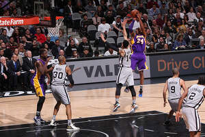 Postgame Wrap: Kobe gave the Spurs a scare, but Lakers still fall - Photo