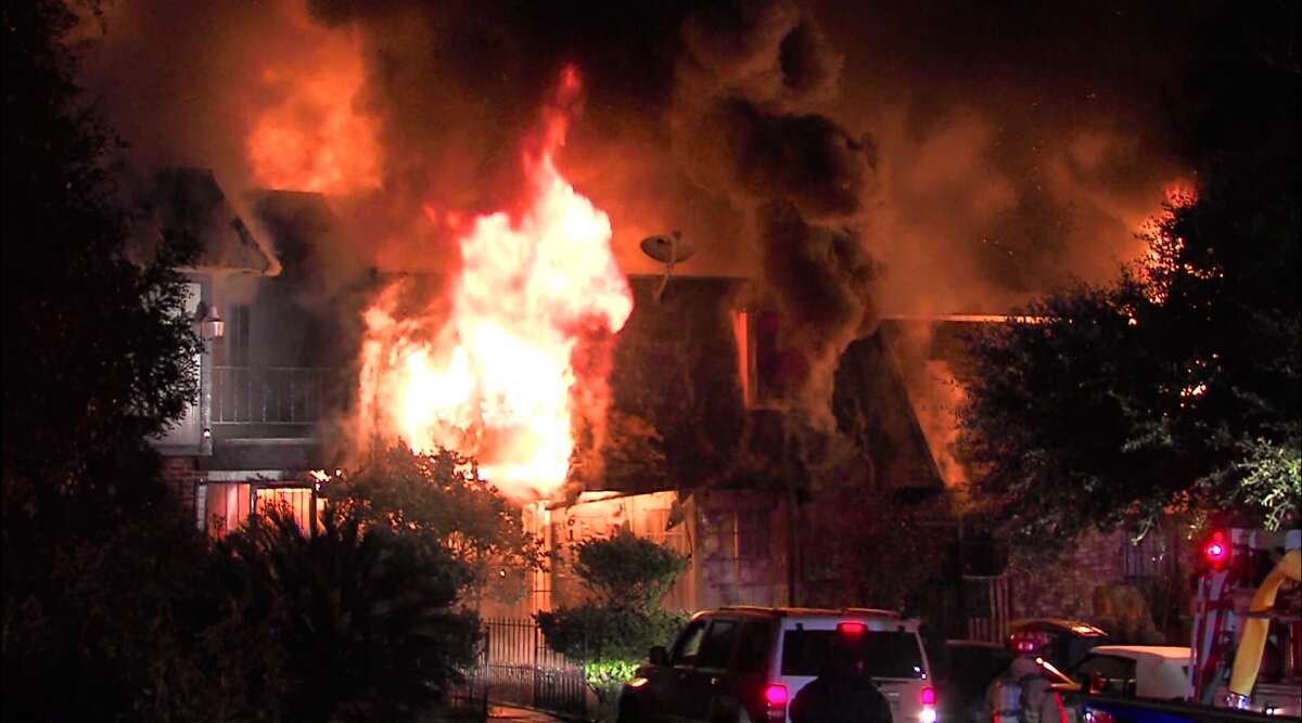 A Fire destroyed eight units at Northwest Side apartment complex Sunday morning. San Antonio Fire Department arson investigators continue to investigate.