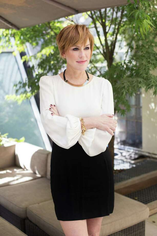 Molly Ringwald, a 1980s screen idol who is still thriving in film, theater and music, in New York, Sept. 21, 2015. Ringwald's beauty regimen doesnOt call for a lot of makeup the way it did when she was a teenager N Now, she enjoys great food, good skin, and, finally, her freckles. (Erin Baiano/The New York Times) ORG XMIT: XNYT33 Photo: ERIN BAIANO / NYTNS