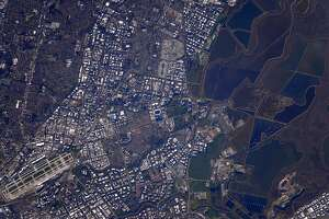 Scott Kelly tweets pic of Super Bowl 50 from space - Photo