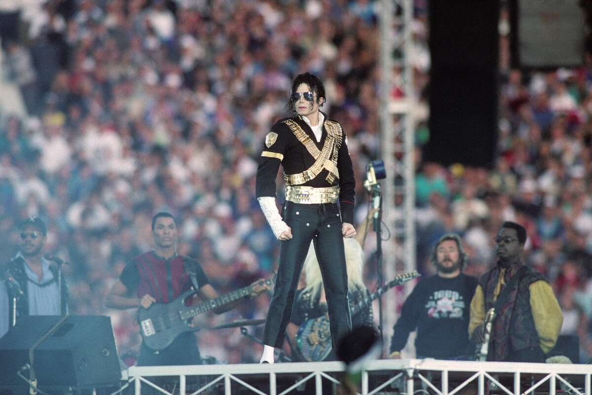 Michael Jackson performs during halftime of a 52-17 Dallas Cowboys win over the Buffalo Bills in Super Bowl XXVII on January 31, 1993 at the Rose Bowl in Pasadena, California.