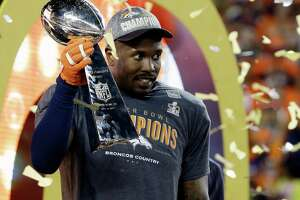On biggest stage, ex-A&M star Von Miller delivers for Broncos - Photo