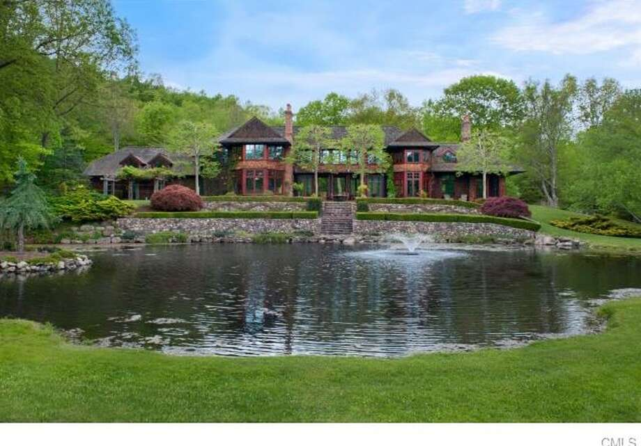 323 Florida Hill Rd, Ridgefield, CT 06877View full listing on Zillow Photo: Zillow