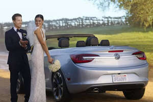 Even with the help of model/actress Emily Ratajkowski and NFL star Odell Beckham Jr. Buick's Cascada commercial spends more time on the crowd than the actual car and misses the mark.