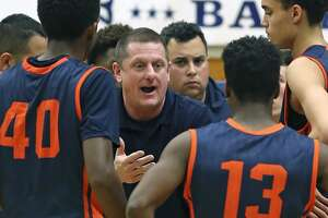 Basketball: Brandeis, Steele remain in top 10 of TABC poll - Photo