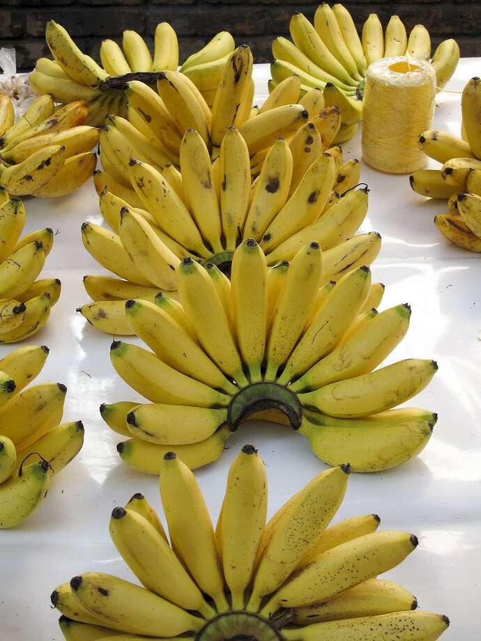 Bananas at the weekly street market in La Condesa. Photo: Douglas Fletcher
