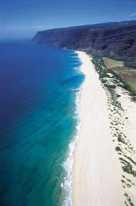 An aerial view of Polihale Beach in Kauai. Photo: Robert Coello, Hawaii Tourism Authority