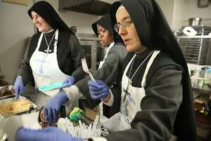 Nuns who help needy face eviction in S.F.'s Tenderloin - Photo