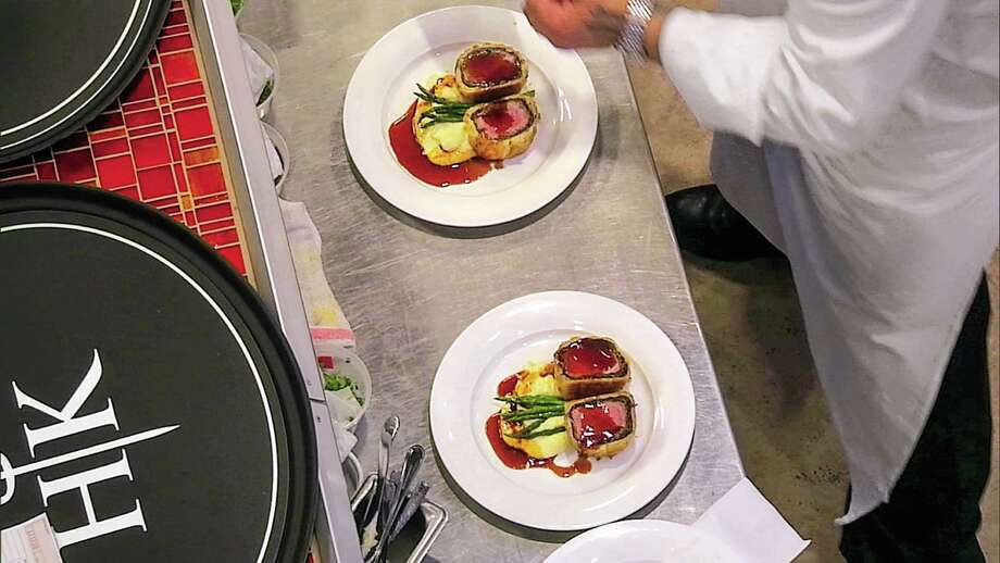 Hell's Kitchen' Brings Back Beef Wellington Houston Chroniclerhhoustonchronicle: Hells Kitchen Cookbook At Home Improvement Advice