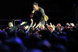 Springsteen delivers marathon album with mighty marathon concert - Photo