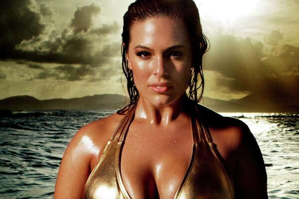 Sports Illustrated's Swimsuit issue has launced the #CurvesinBikini campaign featuring Ashley Graham.