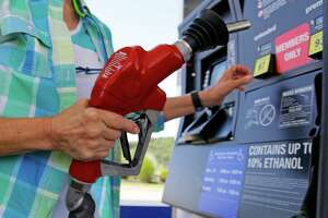 Energy agency: Gas will average below $2 in 2016 - Photo