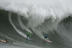 Mavericks surf contest draws an all-star cast - Photo