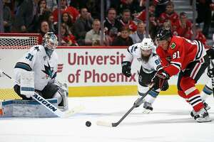 Sharks' Martin Jones shuts out Chicago - Photo