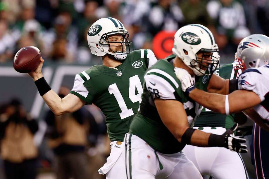 """QB Ryan Fitzpatrick2015 team:New York JetsAge: 332015 Stats: 335-of-562 passing, 3,905 yards, 31 touchdowns, 15 interceptionsNotes: You'd think the Jets would be interested in bringing Fitzpatrick back, but reports are that the two sides are far apart in contract talks. Aside from his nightmare game in the season finale versus Buffalo, the well-traveled """"Amish Rifle"""" played well in his first season with New York, setting a franchise record for touchdown passes. Photo: Jeff Zelevansky, Getty Images / 2015 Getty Images"""