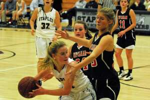 New Canaan wins rematch with Staples - Photo