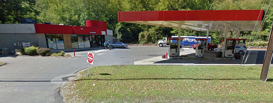 State Police are investigating an armed robber of an Oxford convienance store and gas station late Tuesday night on Feb. 9, 2016. The business is located at 357 Oxford Road, which is also Route 67. Photo: Google Streetview