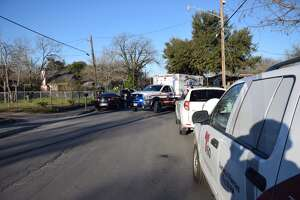 Two men seriously injured in Southwest Side shooting - Photo